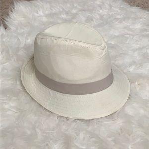 Accessories - Fandora hat